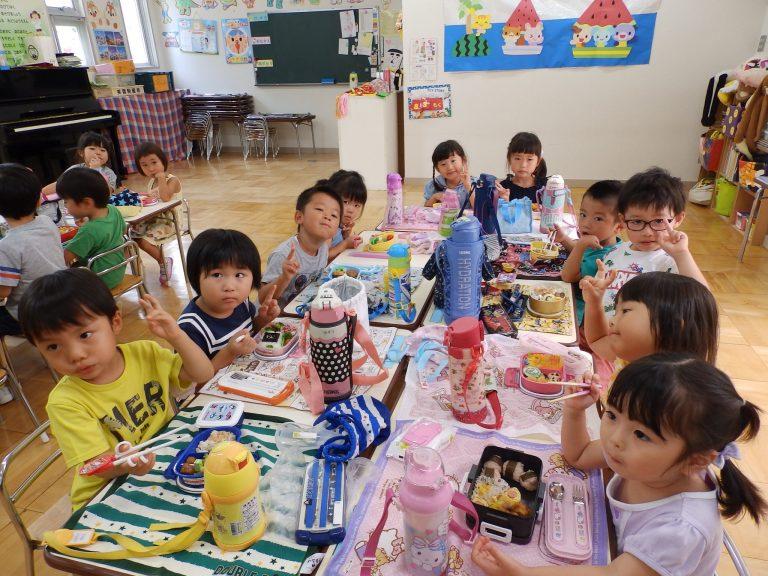 ホームクラスの様子 ⑱ (年中・年少組)
