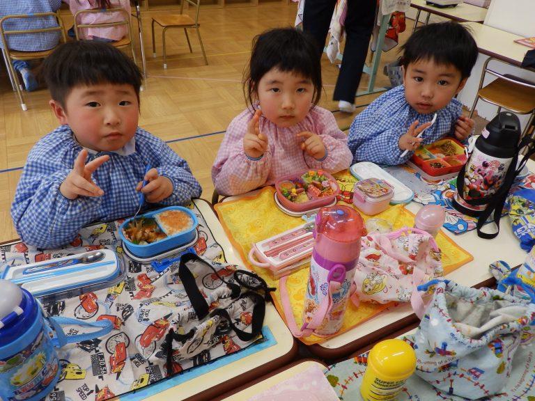 昼食の様子 ⑦ ばら組