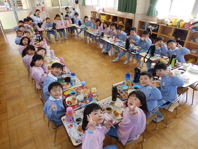 給食の様子 ⑥ ゆり組