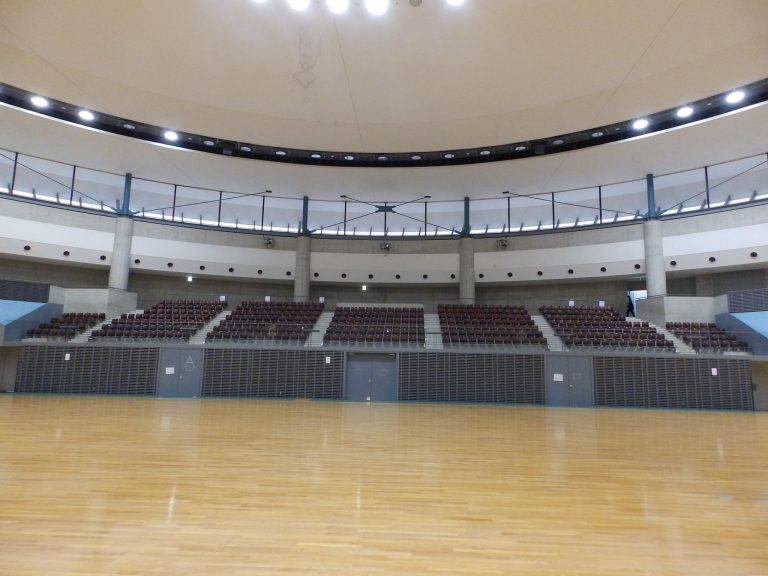 観客席 ⑲ 入口を入って右側